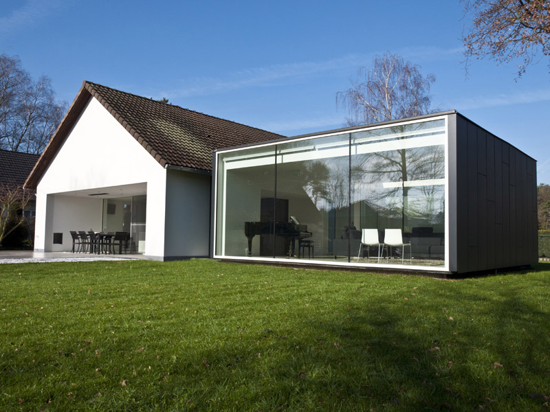 Cocoon architecten framework house op tv limburg tv for Interieur moderne woning